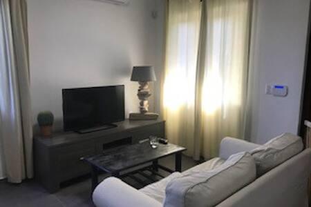 Beautiful comfortable apartment in tropical garden