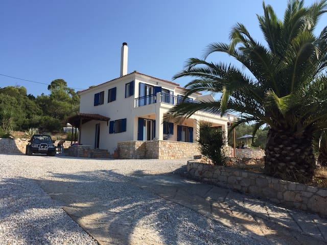 Villa with stunning views of the sea and islands - Isomata - Villa