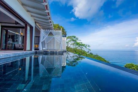1 bedroom beachfront infinity pool villa in Kata - Karon - 別荘