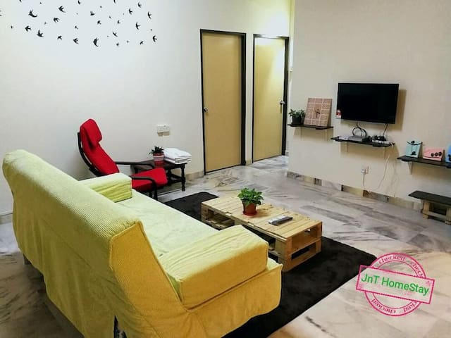 JnT HomeStay (Near Malacca Town & Seaside)
