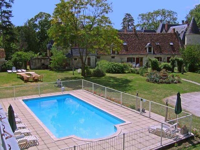Razay, The Stables, Cottage, 5 bedrooms sleeps 10