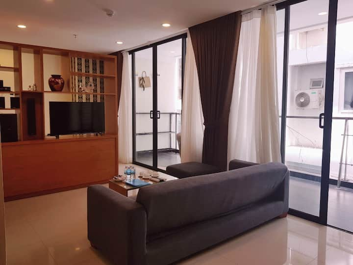 Family apartment by the beach @tourist central