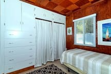 Guest bedroom with twin beds.