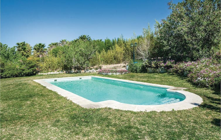 Holiday cottage with 3 bedrooms on 140m² in Arcos de la F./Cádiz