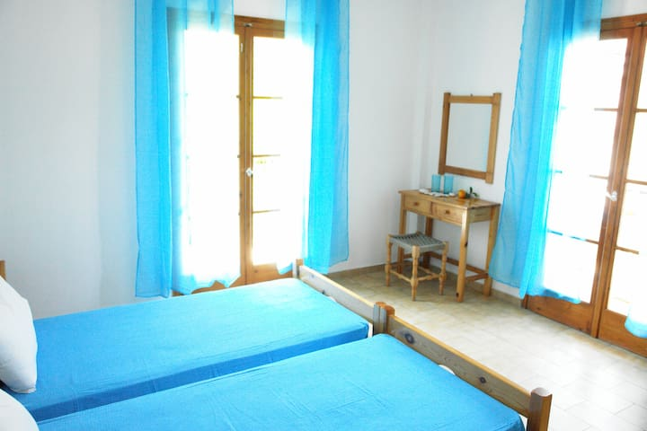 low cost sotiris apartments