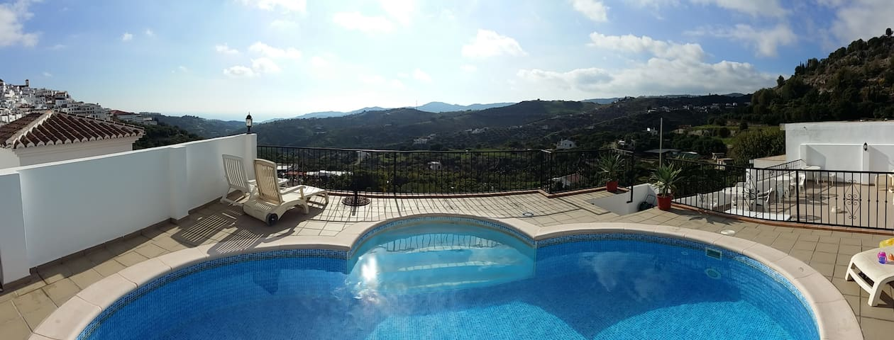 La Fuente Vieja. 2 Pools. Free Wifi. Official. - Frigiliana - Pis
