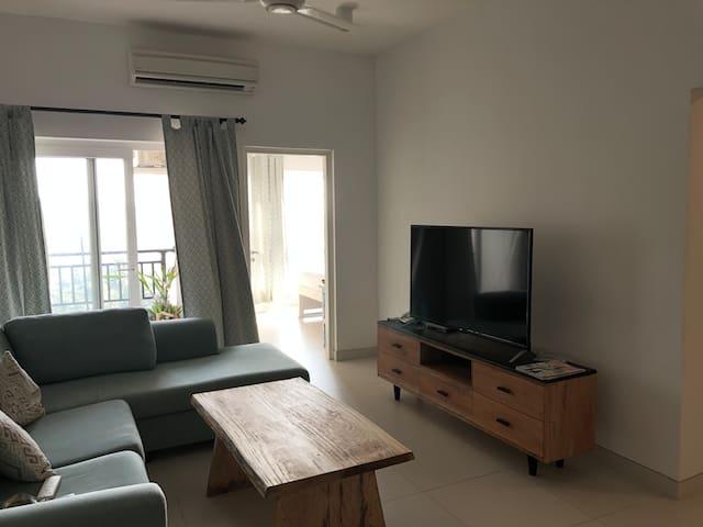 Luxury 2 bedroom 10th floor flat in Fairway Galle