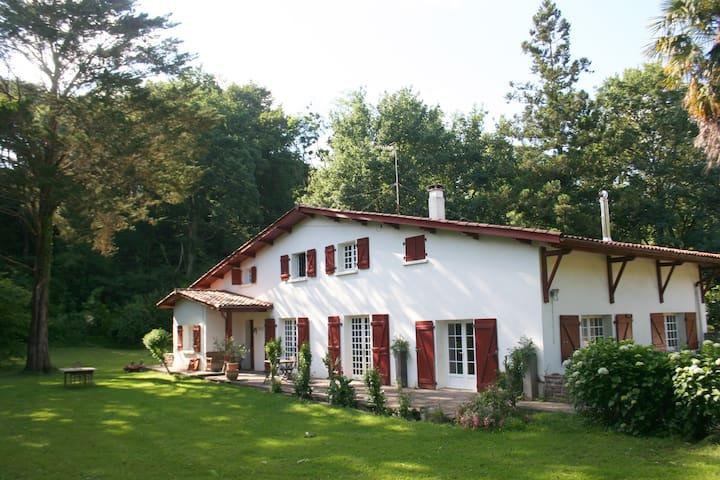 Maison de famille dans un havre de paix