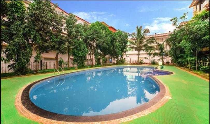 THE MAHARAJA Deluxe with Pool and Restaurant