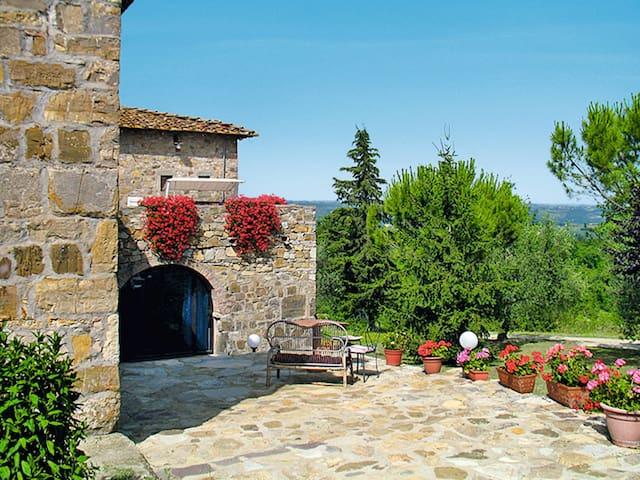 Apartment Casenuove di Sopra for 4 persons