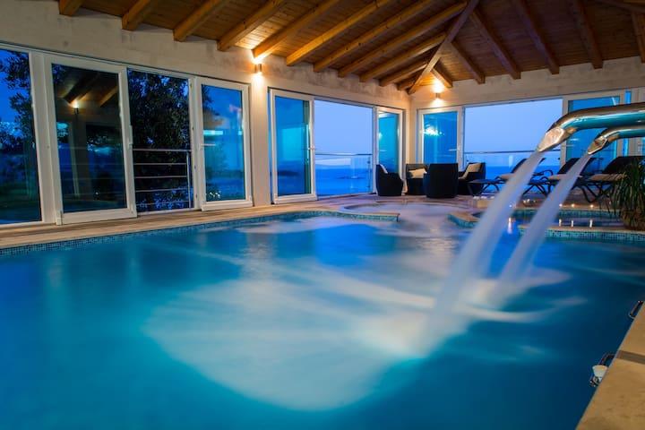 Stunning 3-bedroom Villa near Dubrovnik, ind. pool