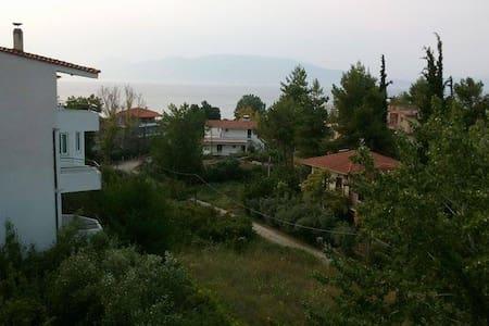 Lokridos Kedros, Arkitsa - Fthiotis - Arkitsa - Bed & Breakfast