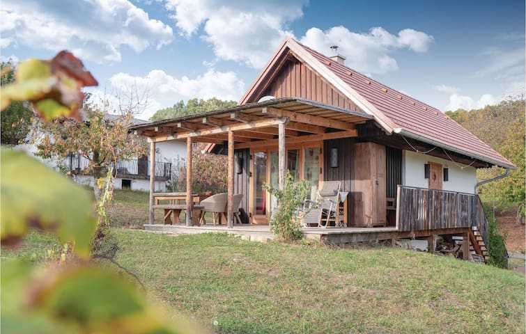 Holiday cottage with 2 bedrooms on 49m² in Strem