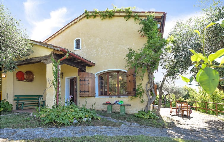 Holiday cottage with 4 bedrooms on 300m² in Asolo