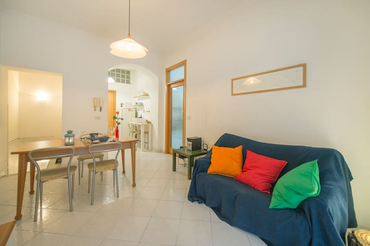 A lovely flat in via dei Tribunali AngoloViaDuomo.