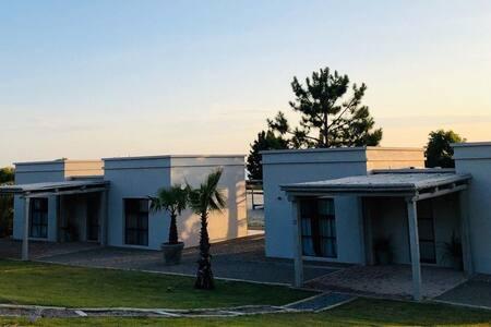 Casa de Playa con excelente vista al río