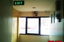 First Class Boarding House (Air-con Room 2)