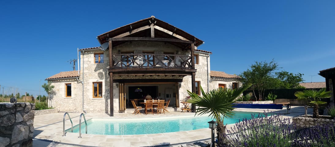 La Chapelle - Heated Pool, Village Centre