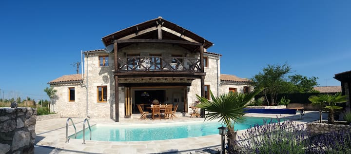La Chapelle - Private Heated Pool, Village Centre
