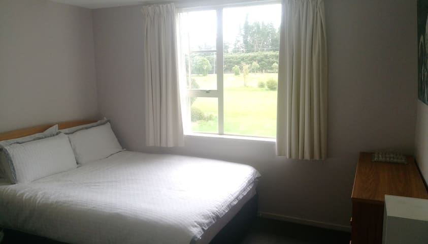 4x Private Bedrooms in quiet, tranquil West Melton - Kirwee - Ház