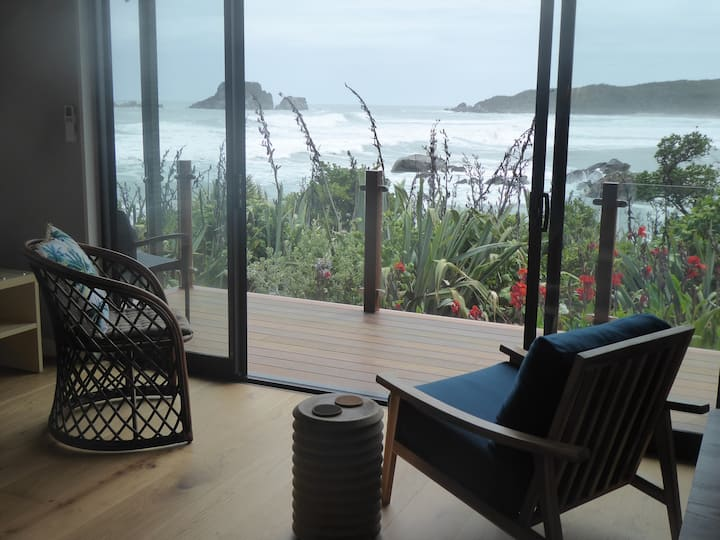 The Bay House Luxury Beachfront Studio 1