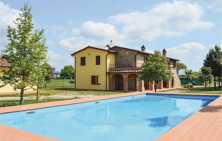 Holiday apartment with 3 bedrooms on 100 m² in Magione (PG)