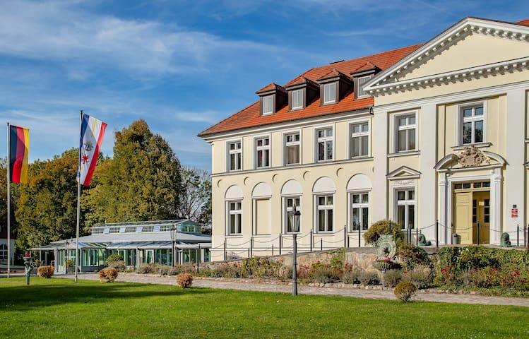 Doppelzimmer Schloss Seeblick