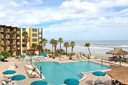 "Beach Private Condo w/ KING SIZE BED and 55 "" TV!!"