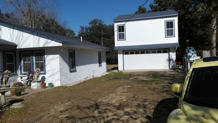 Murrells Inlet studio apt. close to everything.
