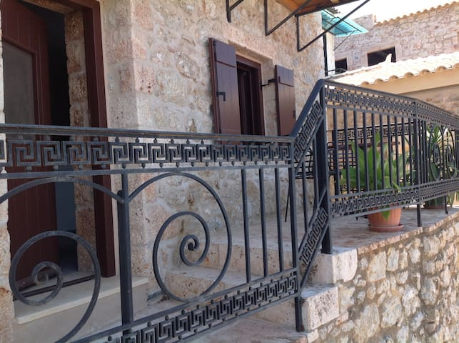 Lovely stone apartment in the heart of Gytheio