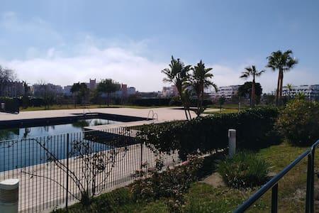 Ático con terraza de 25metros  Almería(Retamar)