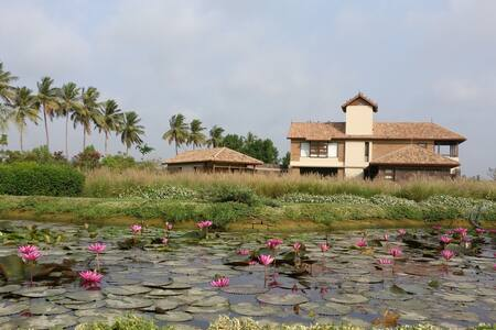 Rustic Villa & Farms. Mogar , Anand.