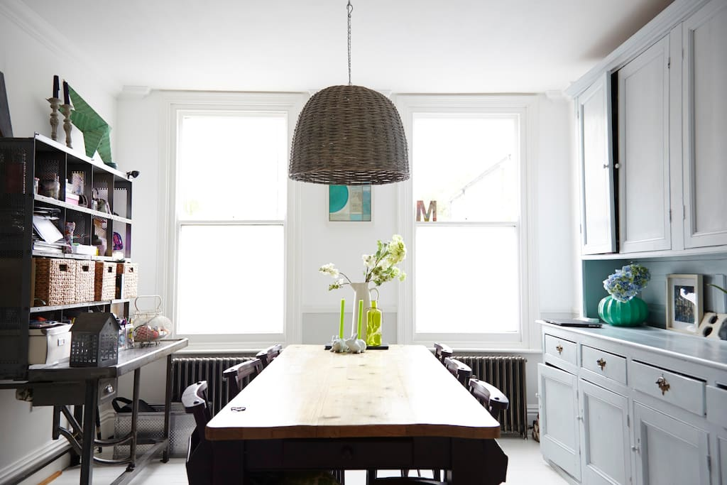 Dining area for 8/10