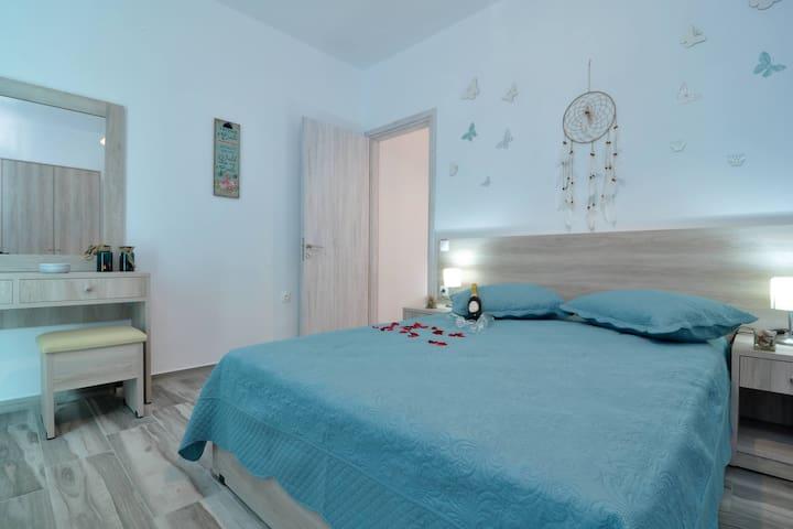 Lefkimmiatis Villa Petra Bedroom