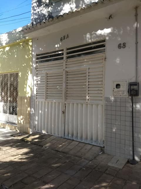 Casa com garagem e Wi-fi em Cajazeiras-PB