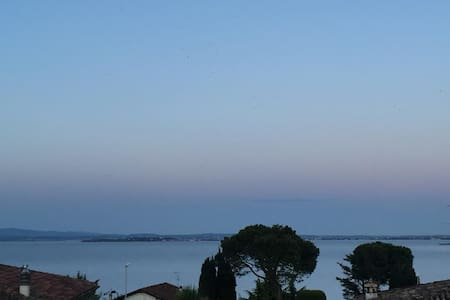 Indipendent flat with garden. Lake view - Padenghe Sul Garda