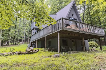 Rancho Relaxo - Quiet Kid, Pet Friendly Home in WV - Berkeley Springs
