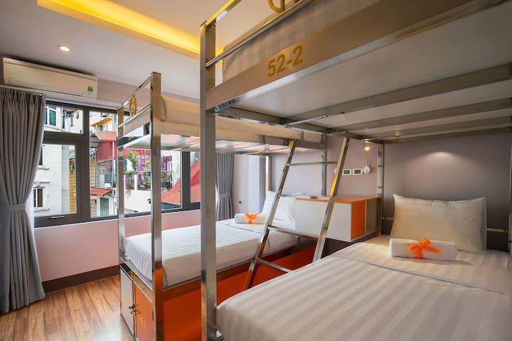 4 Beds sharing Female in Center Old Quarter - Hanoi - Hostel