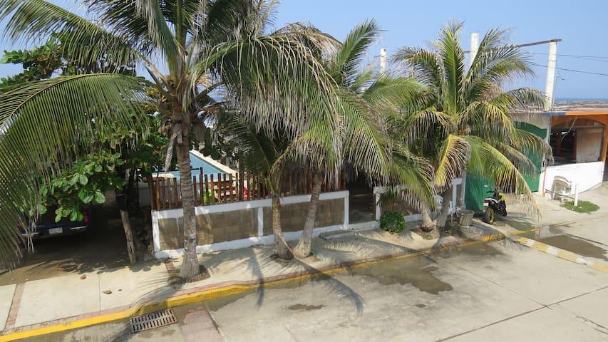 Suite@Bonfil (Aca.Diamante) Beachfront Home w/Pool
