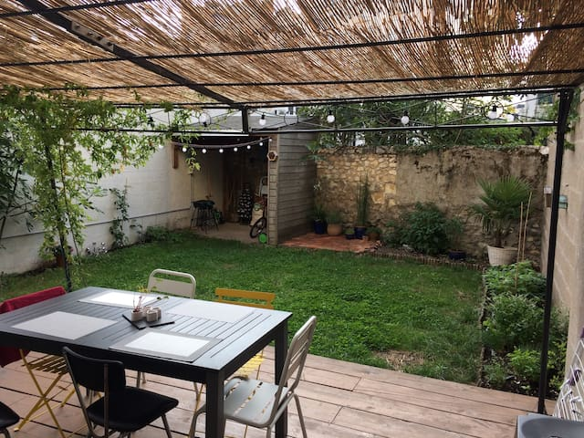 Joli appartement avec jardin
