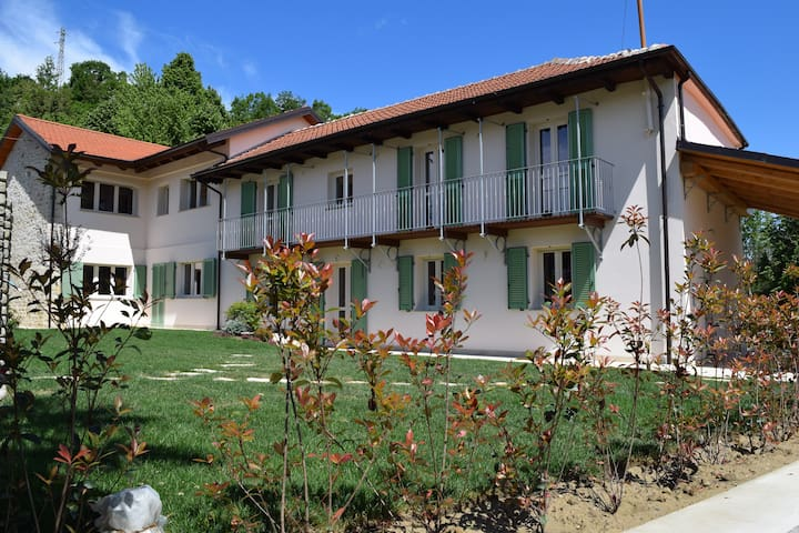 """I Tigli"" Charming Farmhouse, magical gardens. - Gisuole - Apartemen"