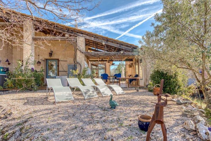 "Beautiful Pet-friendly Villa in Régusse with Swimming Pool"""