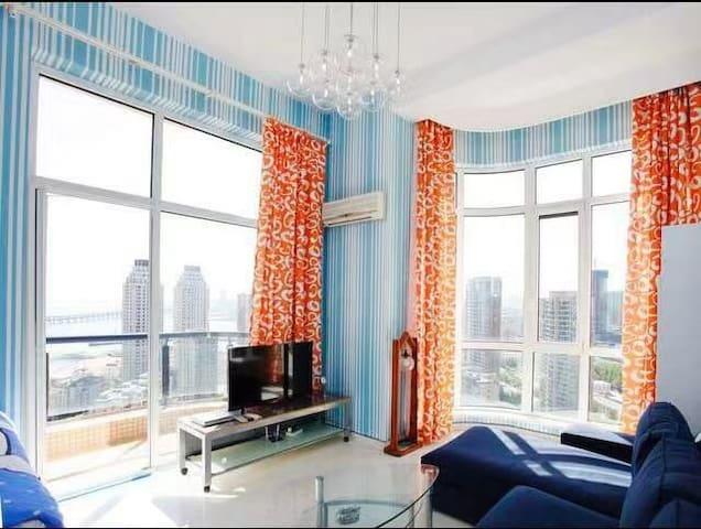 锦熙舍星海地铁一号线双窗海景复式公寓