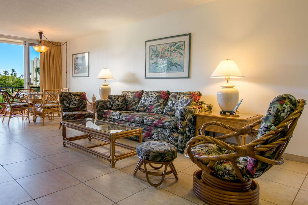 Open spacious floor plan with Hawaiian style furnishings and decor