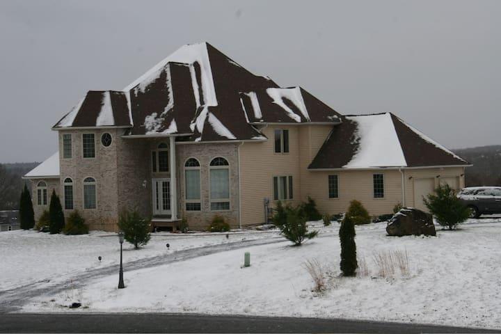 Luxury Château  Home - Stroudsburg - Casa