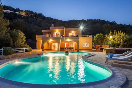 Villa close to Ibiza town with stunning view - Illes Balears