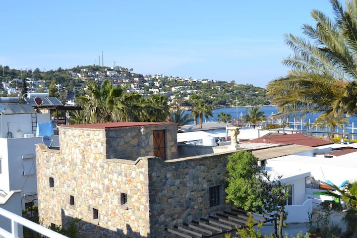 Bodrum house at Golturkbuku 100mt to the sea