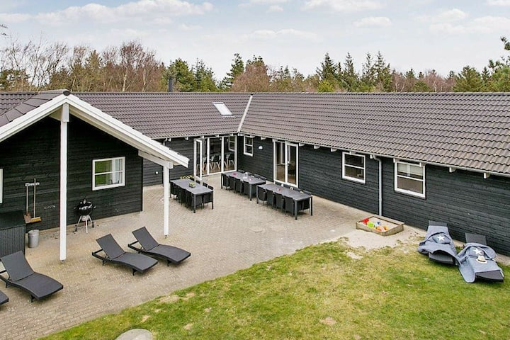 Luxurious Cottage in Blavand Jutland with Swimming Pool