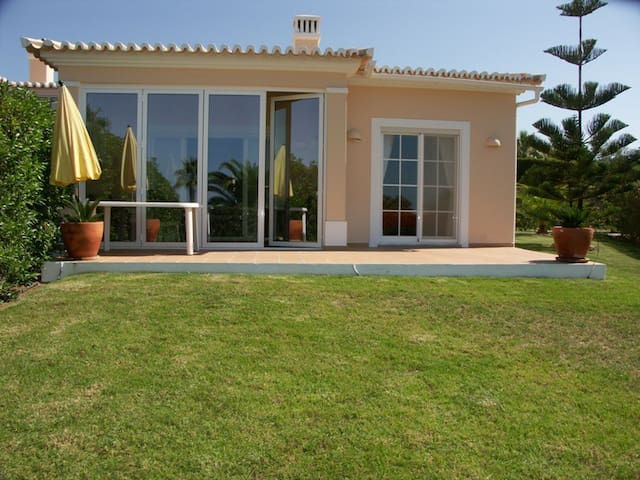 Cluster villa with sea view and garden