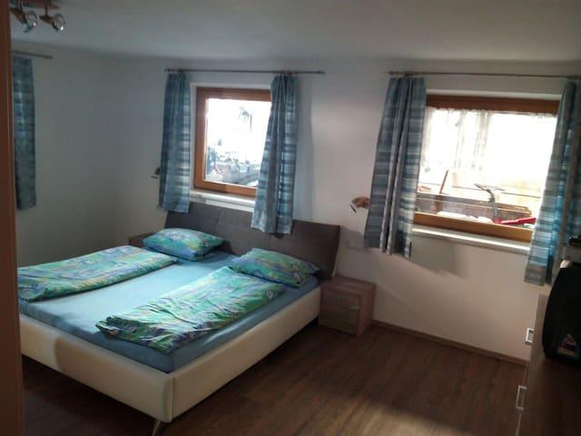 kuschelige untergeschosswohnung - Stumm - Apartament